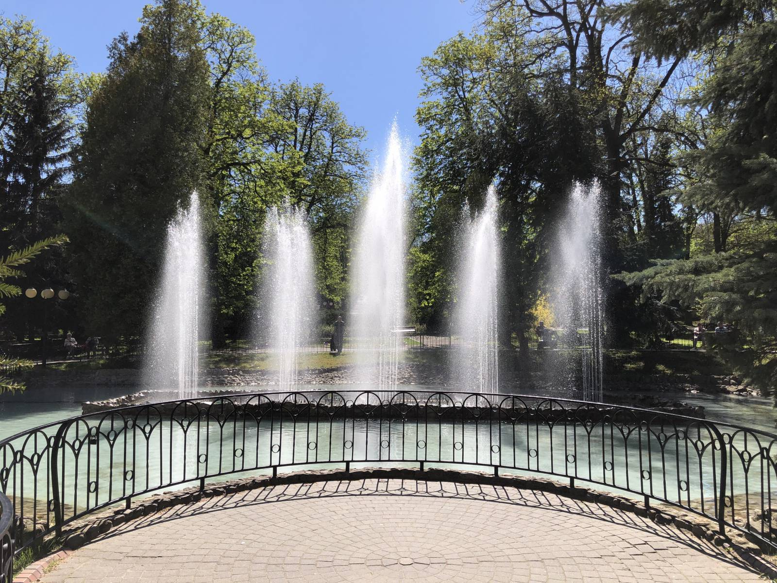 pokazy fontanny